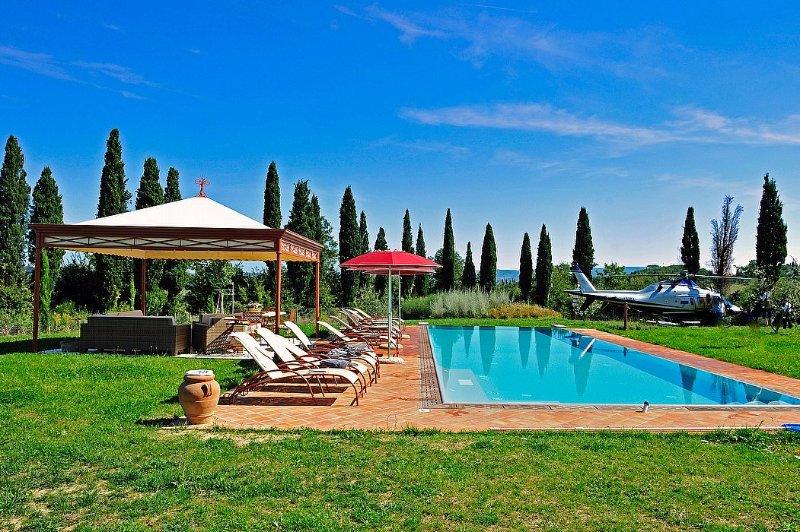 Villa Lirica, holiday rental in Montelopio