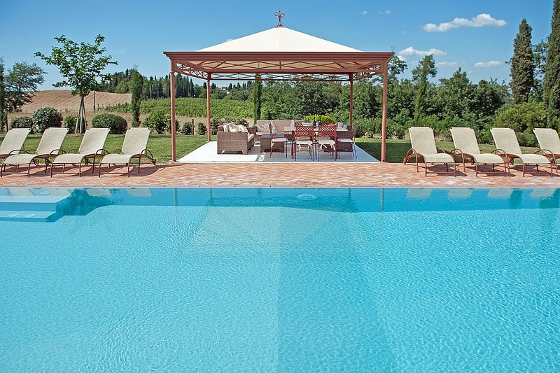 Monte Lopio Villa Sleeps 11 with Pool Air Con and WiFi - 5228880, Ferienwohnung in Montelopio