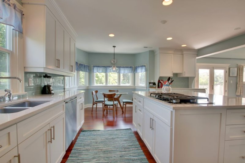 Open And Functional Kitchen, All The Extras!