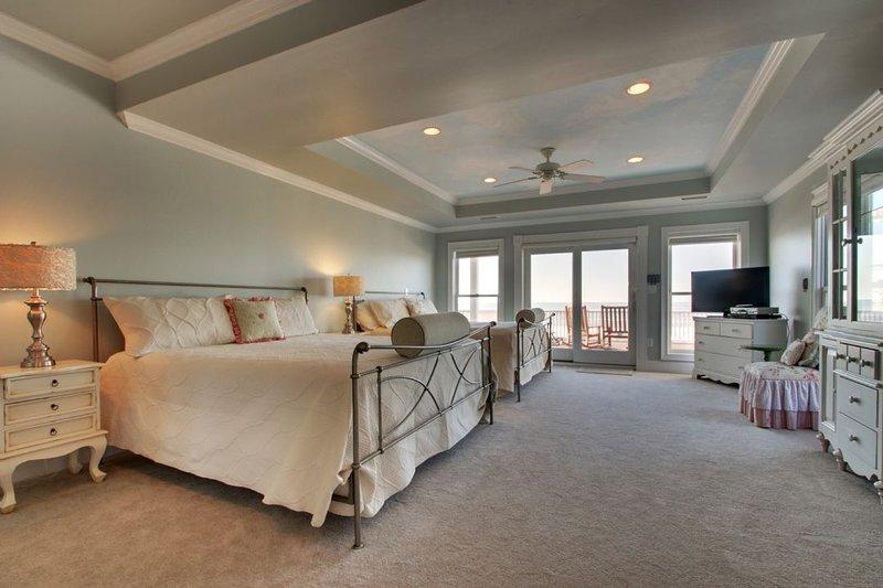 2nd Fl. Oceanfront Bedroom w/ one king & one queen