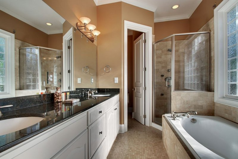 Master bedroom's full bath