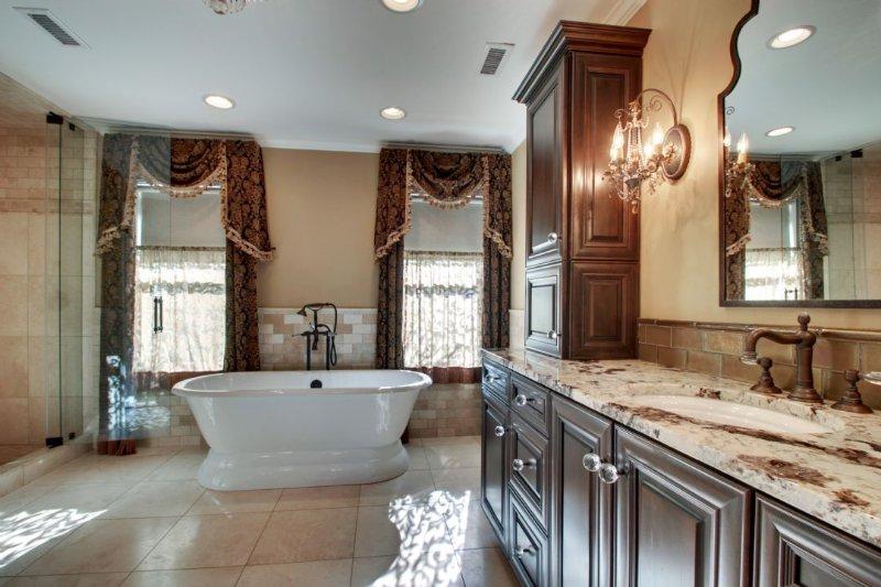 Relaxing Guest Bathroom