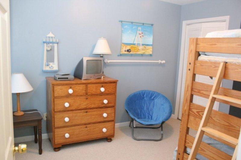 Bedroom 4, Bunk