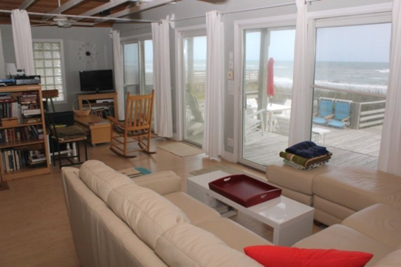 Living Area with New Sofa ~Oceanviews