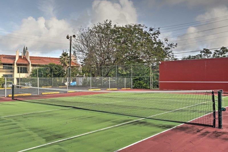 Mantieni la tua forma fisica nei campi da tennis.