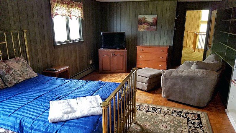 Upstairs Den Bedroom #2