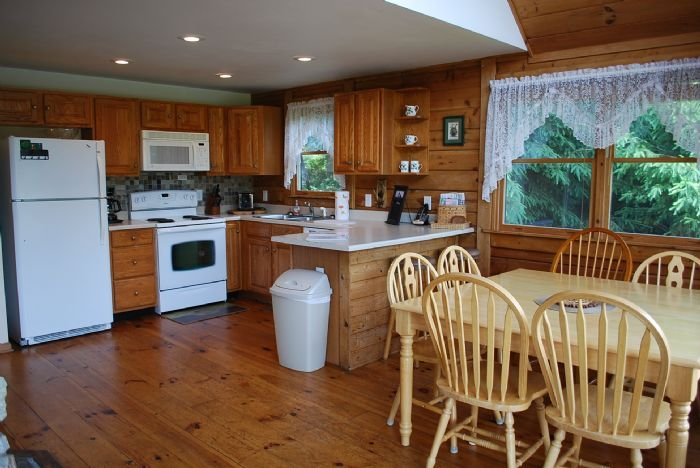 Fully Equip Kitchen & Spacious Dining Area