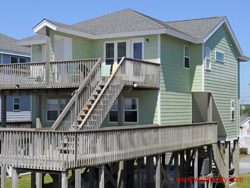 3 BR, 3 BA Oceanfront Duplex!! - Yawl Come North, location de vacances à Surf City