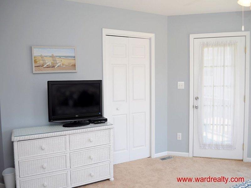 1st Floor Ocean-Side King Master Bedroom II