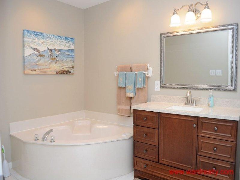 1st Floor Master Bath w/ Whirlpool Tub & Shower