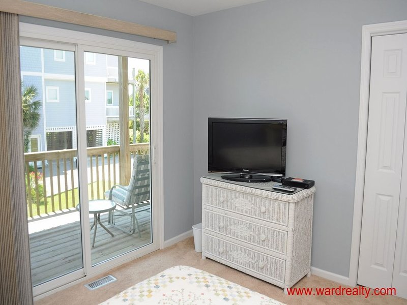 1st Floor Oceanside Queen Bedroom II