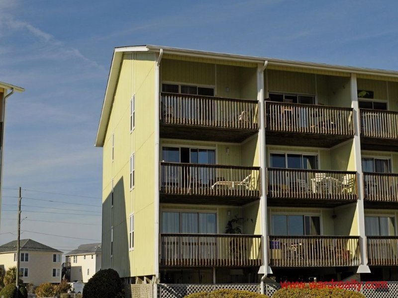 Long Island Escape Exterior - Top Floor