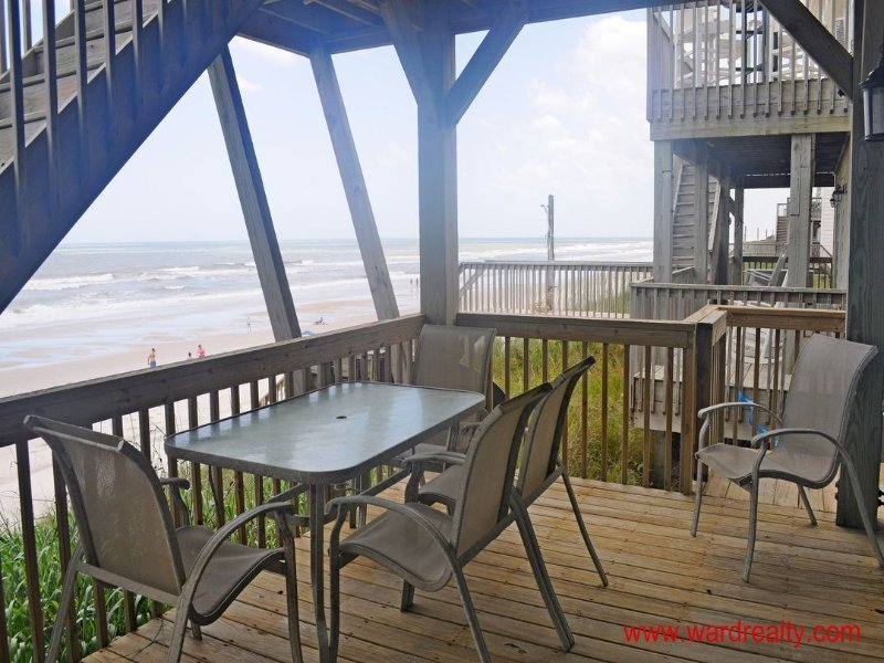 1st Floor Oceanfront Covered Deck