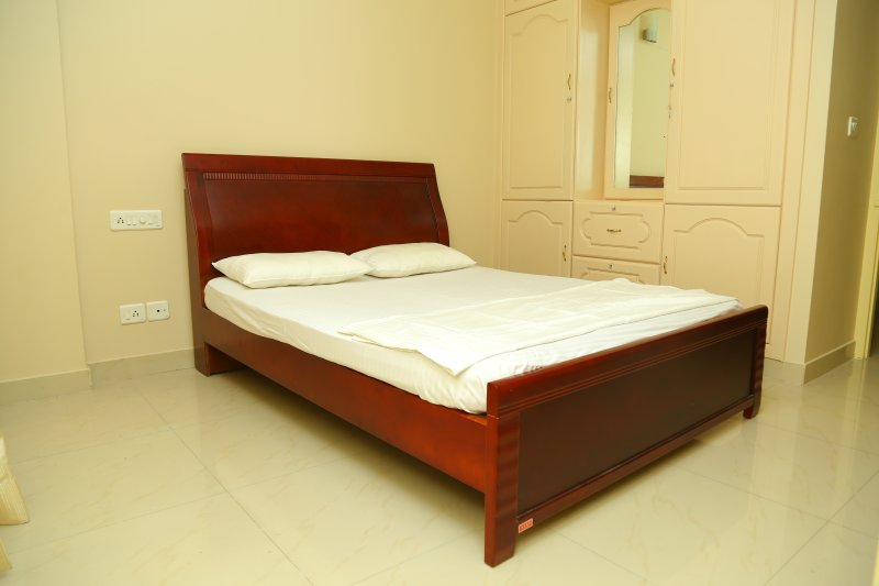 ANUNA - DELUXE ETHNIC SERVICE APARTMENT, vacation rental in Kazhakkoottam