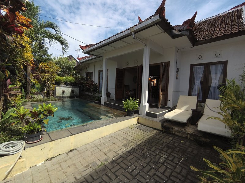 Boulevard 66 Two Bedrooms House with Private Pool, vacation rental in Uluwatu