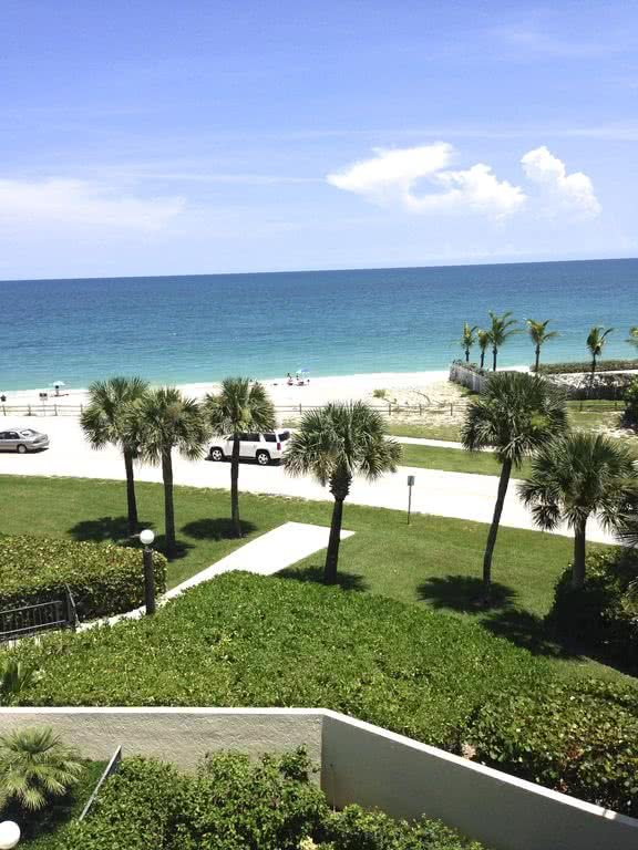 Spectacular View Of Ocean Beautifully Appointed Updated