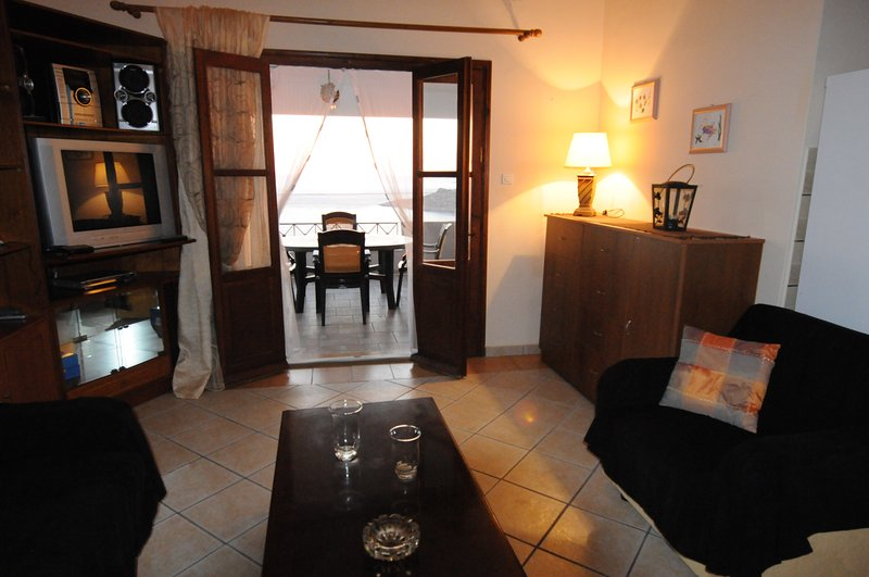 GEORGE 1  SEA VIEW APARTMENT A/C AND WI-FI., location de vacances à Mirties