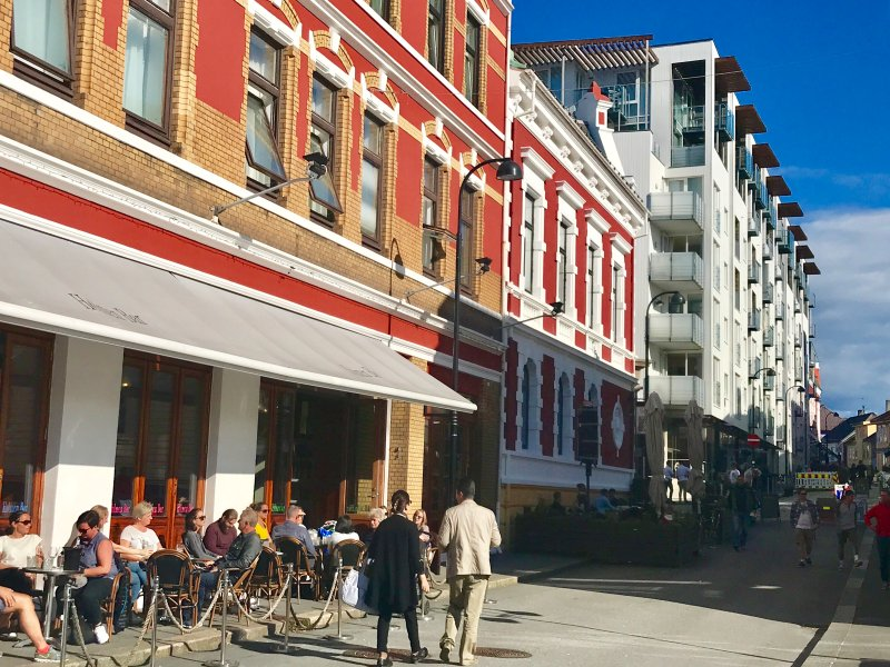 NEW! Vibrant and Lively Central Location, holiday rental in Time Municipality