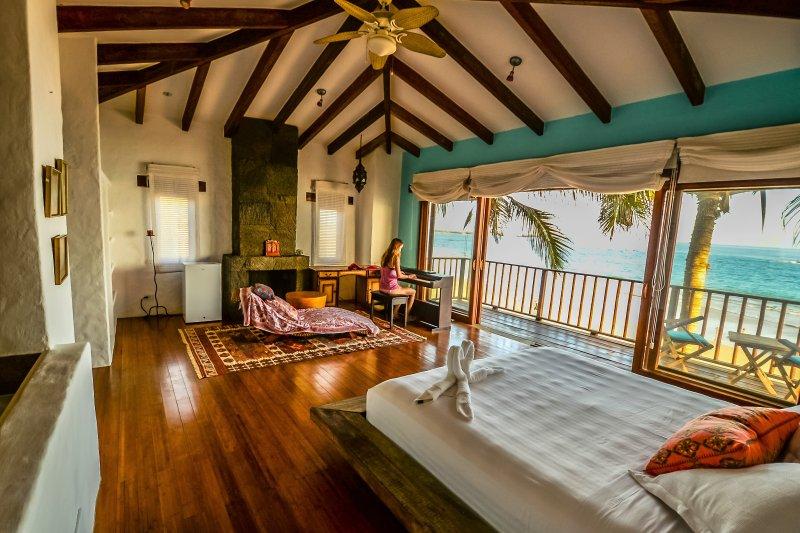 Casa Baronesa Waterfront Galapagos Villa, holiday rental in Galapagos Islands