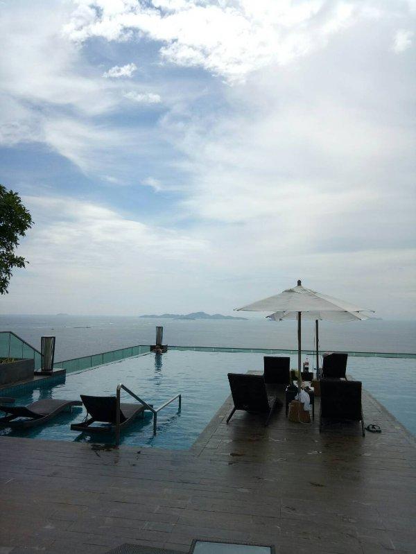 Vista mare, Pattaya condominio, vicino alla spiaggia Wongamat A Alto edificio è a soli 50 m dalla spiaggia