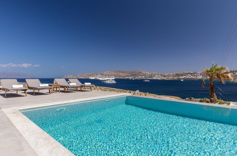 Carpe Diem Villa I with Private Infinity Pool, vacation rental in Mykonos Town