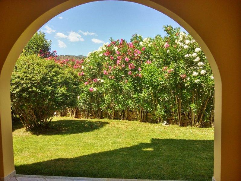 Accogliente casa con giardino, vacation rental in San Teodoro