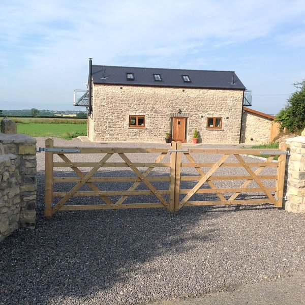 """The Gallops' � Country Break Beautiful Cottage Quiet Rural  Fab Views �, vacation rental in Llandow"