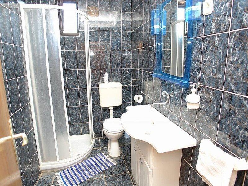 A3 (4): baño con inodoro