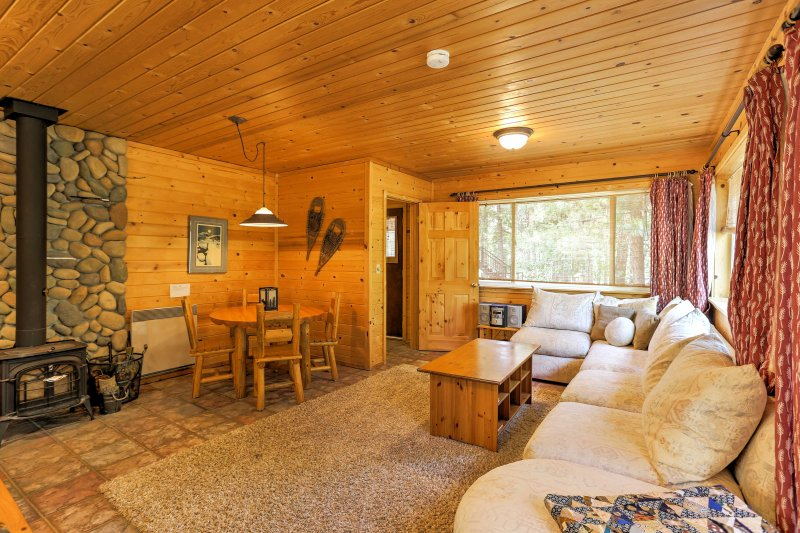 The studio features a wood-burning stove, perfect for warming up!