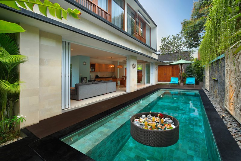 Private Pool with floating breakfast