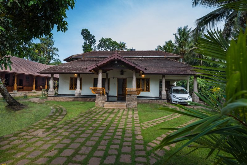 KUTTICHIRA HERITAGE HOME, ALAPPUZHA - Bedroom 4, vacation rental in Athirappilly