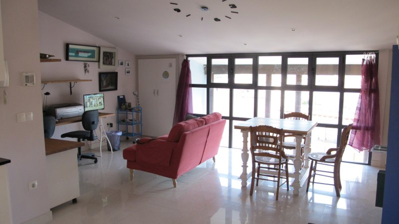 Apartamento solo Moto GP, holiday rental in Fabara