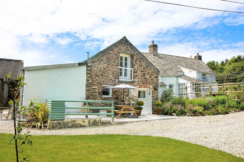 The Old Cider House, holiday rental in Crackington Haven