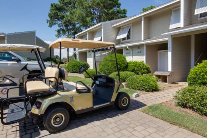 Golf cart included to enjoy exploring the Village of Baytowne Ward and our beautiful beaches