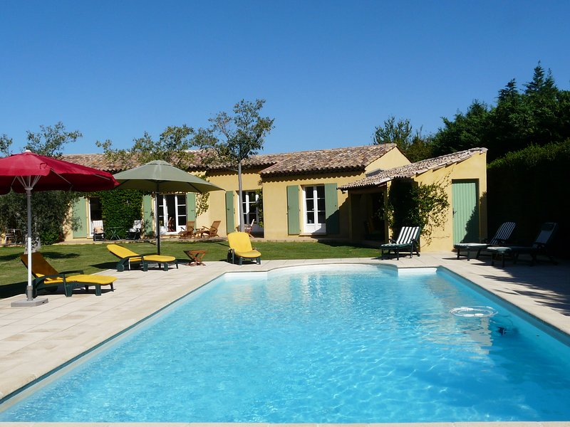 LS1-140 BAGUIE ROSO, beautiful house with private pool in Alpilles area, Mouriès, holiday rental in Mouries