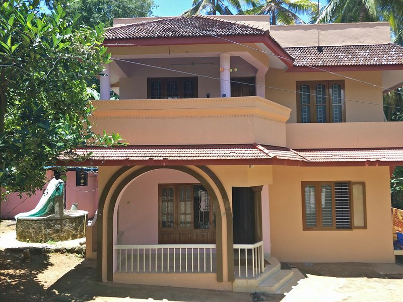 Padmini House - Wohnen in privater Umgebung, holiday rental in Kovalam