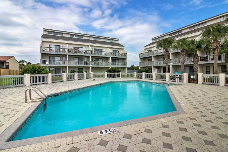Look forward to lounging by the sandy shores or by one of 2 community pools while staying at this 2-bedroom, 1-bath vacation rental condo in Panama City Beach!