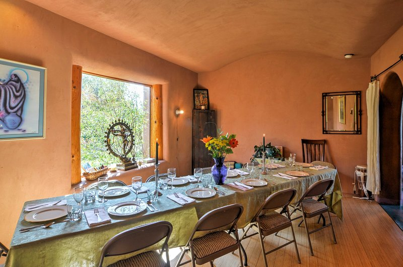 The multi-purpose room can be used for dinner party or restorative yoga.