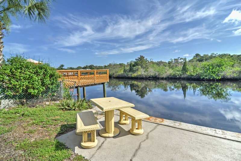 Have the quintessential Florida retreat when you book this Holiday vacation rental home!