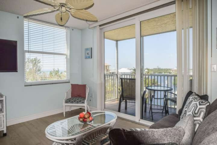 Unparalled, gorgeous, 5th floor view of the gulf from the screened lanai and living area.