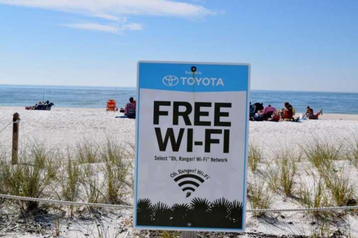Blog, post your beach photos, do a live broascast, with the FREE WiFi at Bonita Beach Park!