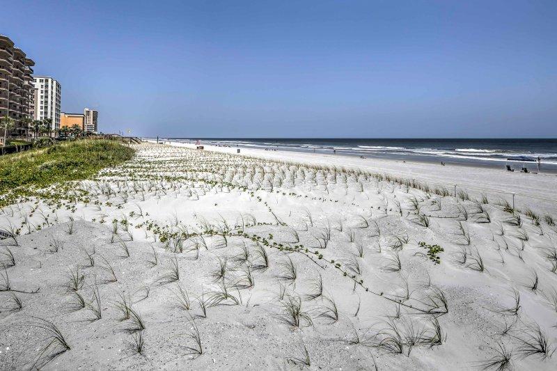 Usted conservará para la ubicación de esta propiedad, minutos del centro ya pocos pies de la arena!