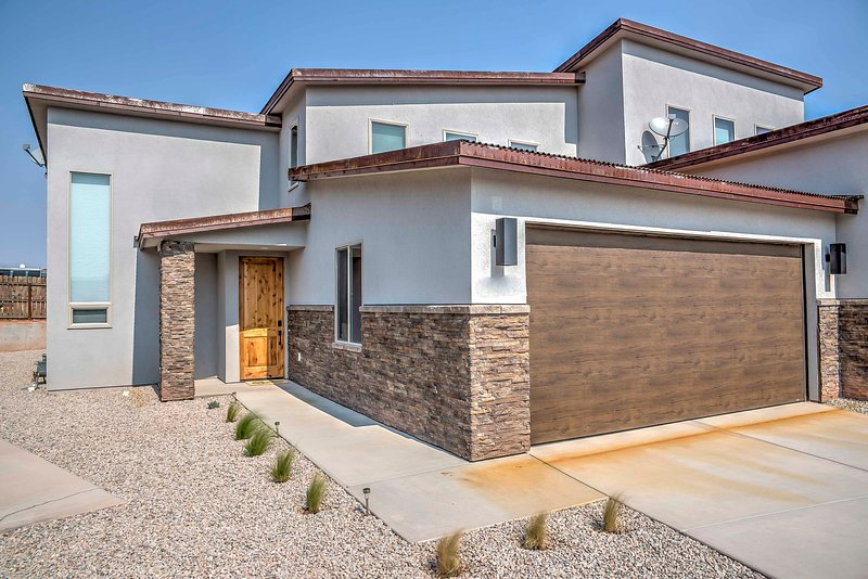 You'll be minutes from downtown with incredible views of La Sal Mountain Range.