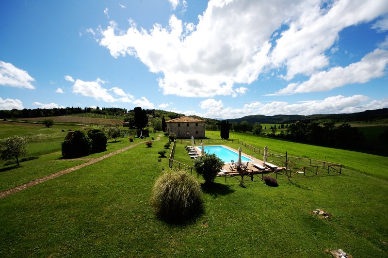 Villa le Ginepraie private cook, free yoga and massages, holiday rental in Volterra