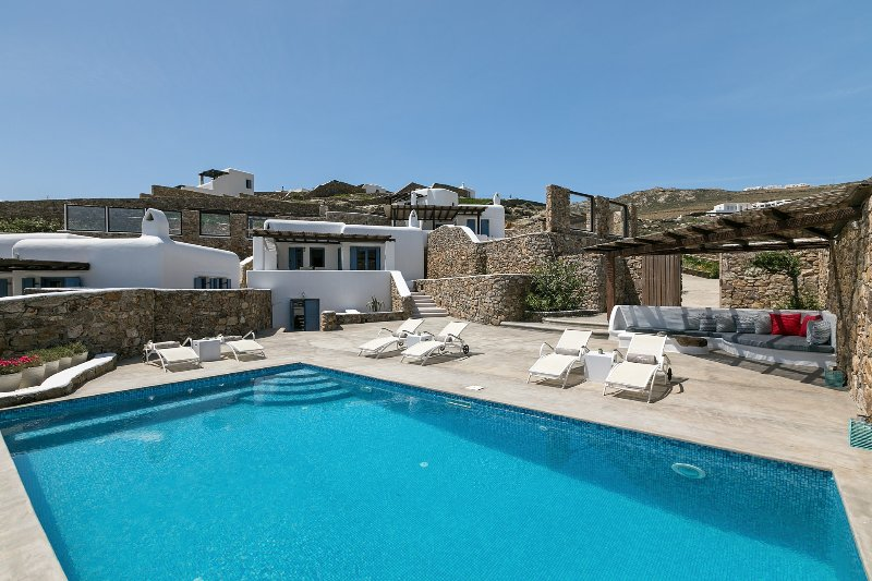 Mykonos Panormos 3 Bedroom Private Pool Villas, location de vacances à Panormos