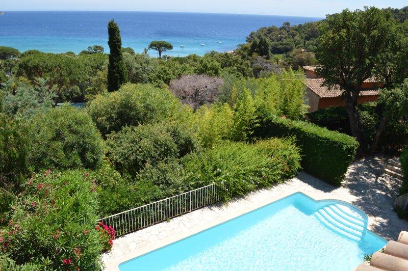 Villa 6p piscine à 500m des plages Pramousquier, holiday rental in Cavaliere