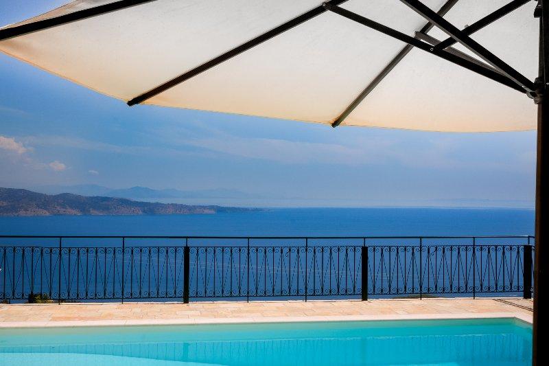 Villa Genna ✿Spectacular Views at Durrells Kalami ✿Prime Location & Heated Pool, holiday rental in Corfu