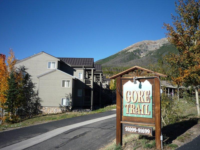 The drive into Gore Trail Condominiums.