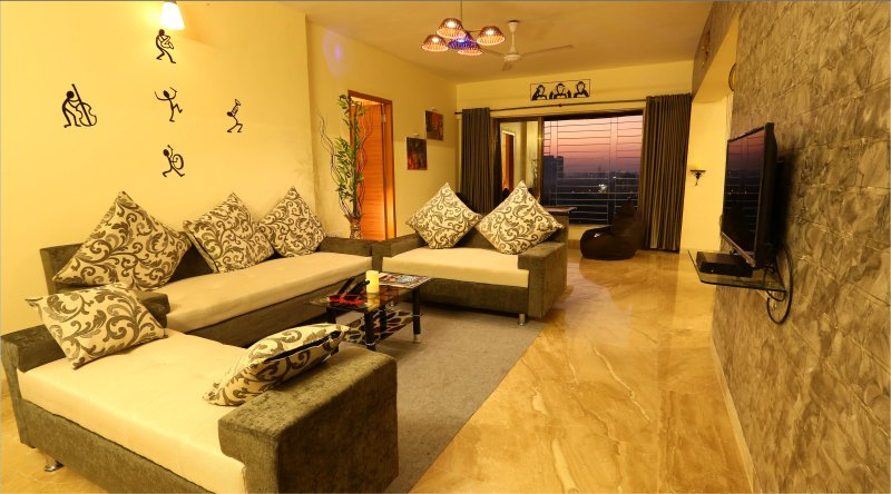 Presidental Suite (4 Bhk) Kandivali, vacation rental in Mumbai
