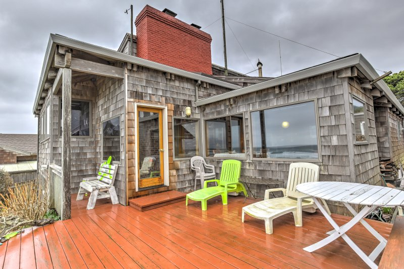 Enjoy the view of the Pacific Ocean and the sounds of nature as you relax on the back deck.